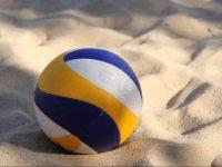 Volleyball im Sand